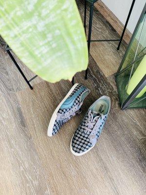 Puma Sneaker gepunktet Silber grau blau 38