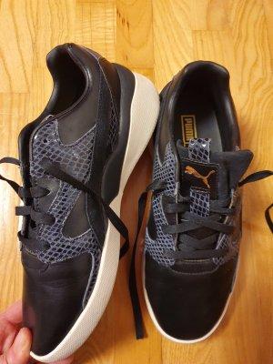 Puma Sneaker gr. 39