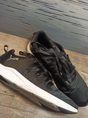 Puma Lace-Up Sneaker white-black