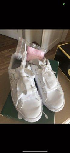 Puma Sneaker mit breiten Schnürsenkel