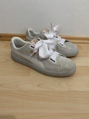 Puma Sneakers Gr.42 grau Schuhe Suede Heart Satin neuwertig