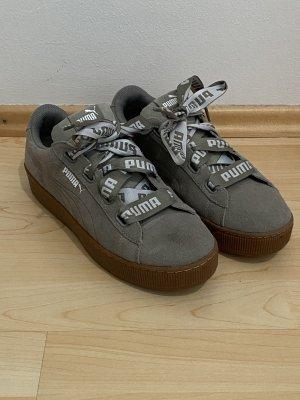 Puma Sneakers Gr.42 khaki Schuhe Vikky Platform
