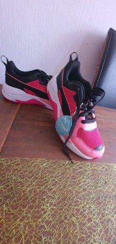 Puma Sport Schuhe gr 38
