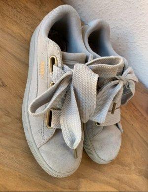 Puma Suede Sneaker mit Schlaufe & OVP