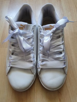 Puma / Vikky Ribbon Patent / Sneaker / weiß / Lack / Satinschleife / Größe 39