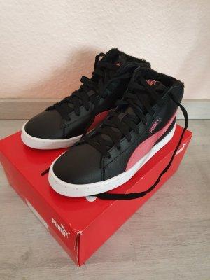 Puma Lace-Up Sneaker black-pink