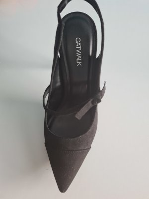 Catwalk Pointed Toe Pumps black