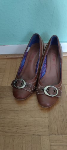 s.Oliver Classic Court Shoe light brown