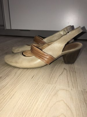 Pumps aus Leder