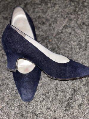 Bruno Magli Classic Court Shoe black