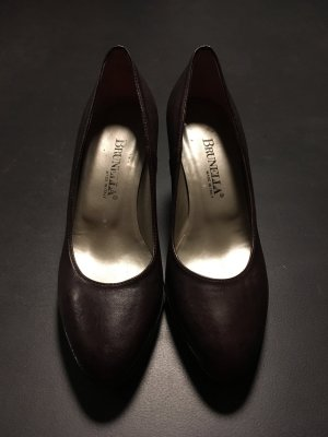 Brunella Spitse pumps donkerbruin