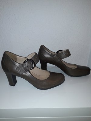 5th Avenue Strapped pumps beige