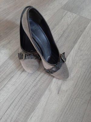 Anna Field Zapatos de punta marrón grisáceo