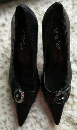 van der Laan Pointed Toe Pumps black