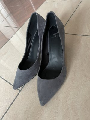 H&M Pointed Toe Pumps grey