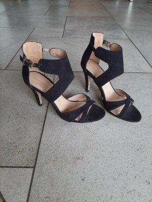 Pumps/High Heels mit Riemen