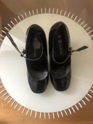 Tango Strapped pumps black