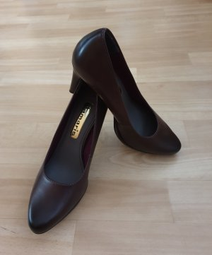 Tamaris Pointed Toe Pumps bordeaux