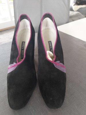 Pumps von Andrea Pfister in schwarz mit violett Naht Größe 40.5