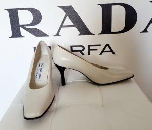 Balenciaga Tacones altos blanco-negro Cuero