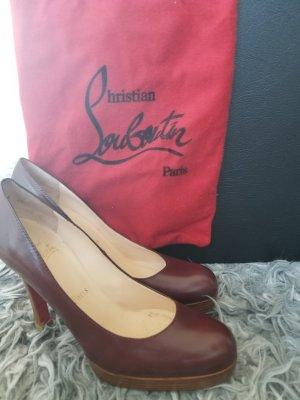 Christian Louboutin Chaussure à talons carrés rouge carmin
