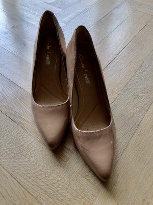 Clarks Classic Court Shoe beige