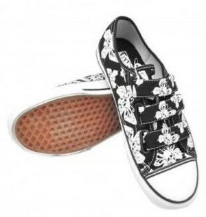 Punk-Rock Butterfly Skull Vans Prison Issue sneaker
