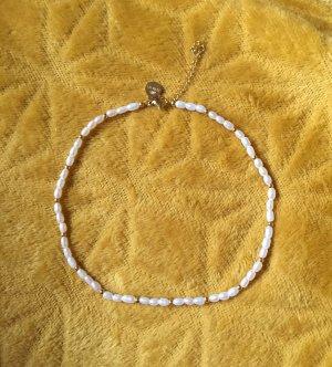 Purelei Naszyjnik z perłami w kolorze białej wełny-złoto