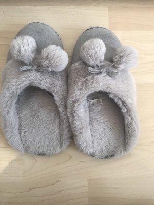Scuffs grey