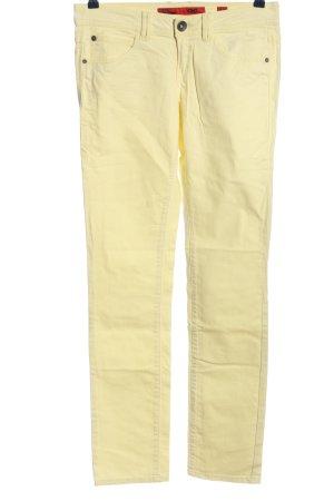 QS by s.Oliver Pantalón de cinco bolsillos amarillo pálido look casual