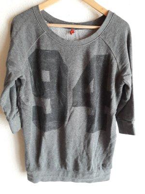 QS. Pullover. grau.