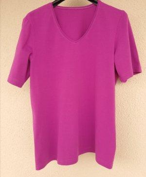 quasi neues Kurzarmshirt mit V-Ausschnitt aus elastischem Baumwolljersey von Madeleine