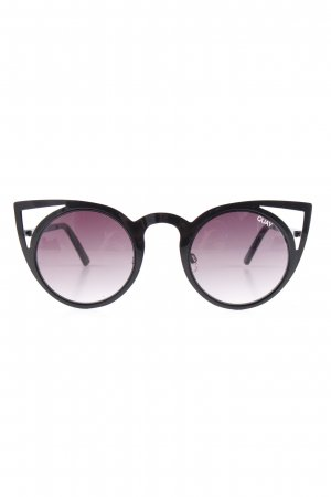 Quay Butterfly Glasses black-lilac casual look