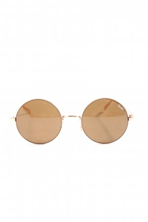 Quay Round Sunglasses brown casual look