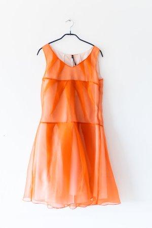 raffiniert-geschnittenes elegantes organges Kleid