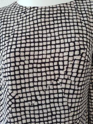 Raffiniert geschnittenes Kleid mit Karomuster