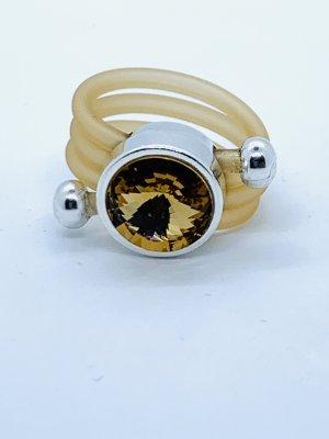 Raffinierter Ring (synt.Kautschuk) mit Swarovskikristall