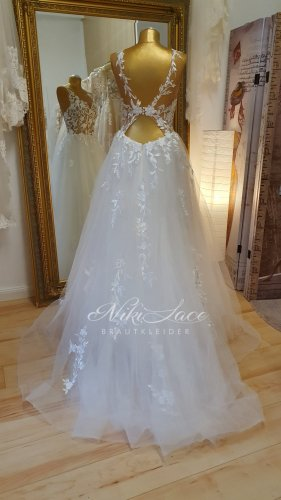 Niki Lace Brautkleider Wedding Dress white-natural white