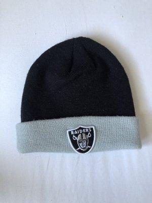 New Era Chapeau en tricot noir-argenté