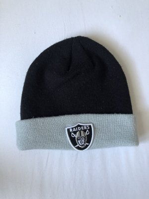 New Era Sombrero de punto negro-color plata