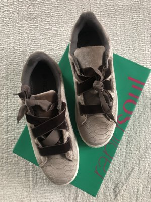 Rapidsoul Sneakers / taupe / Gr. 39