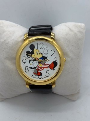 Zegarek ze skórzanym paskiem czarny-złoto