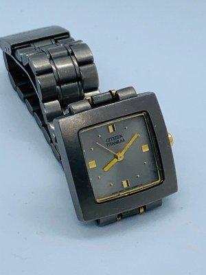 Citizen Reloj con pulsera metálica gris-color oro