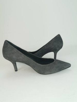 Rauhleder Pumps von Escada