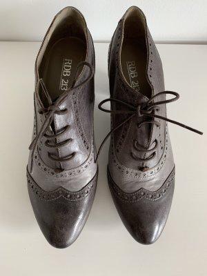 RDB 213 Escarpins à lacets gris brun