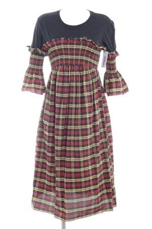 Reclaimed Vintage Blusenkleid Karomuster Street-Fashion-Look