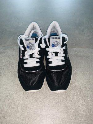 Reebok Slip-on Sneakers black