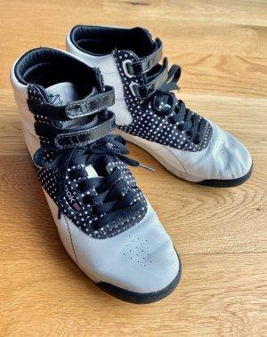 Reebok Freestyle HI Sneaker Limited Edition schwarz weiß gepunktet
