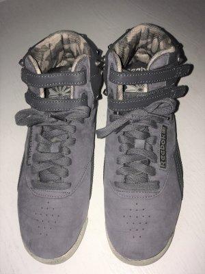 Reebok Leder Sneaker Free Style High mit Nieten