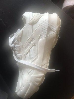 Reebok Shoes Aztrek Größe 37,5